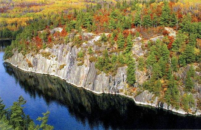 Fall leaf colors in Minnesota