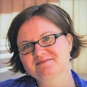 Elizabeth Lukanen wearing glasses.