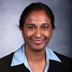 Shalini Kulasingam smiling.